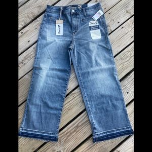 NWT Seven High Rise Wide Leg Jeans Raw Distressed